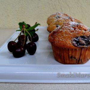 Muffiny z czereśniami i kardamonem