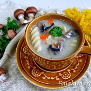 Zupa pieczarkowa z makaronem (na maśle)