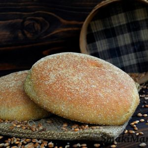 Chleb marokański z semoliny i mąki pełnoziarnistej