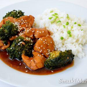 Kurczak z brokułami w domowym sosie teriyaki