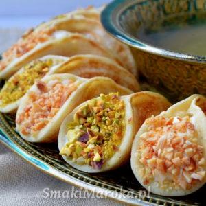 Atayef (qatayef, katayef) - arabski deser z kremem ashta