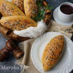 Bułki nadziewane pieczarkami i żółtym serem