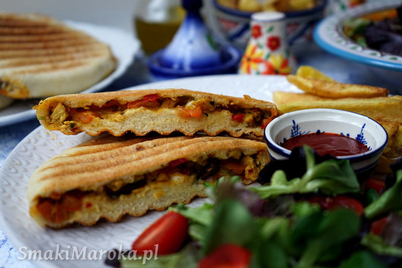 panini, batbout, kuchnia marokańska, marokański chleb