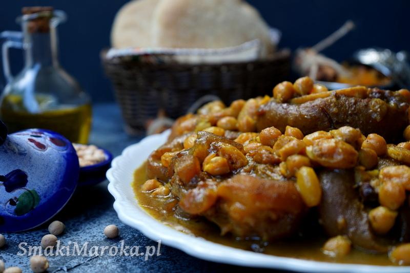 hargma marocaine, kuchnia arabska, nogi wołowe, sos z ciecierzycą i rodzynkami