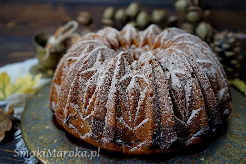 nordic ware bundt pan, babka dyniowa, jesienne przepisy, prosty przepis na babkę, wilgotna babka marmurkowa, smaki maroka
