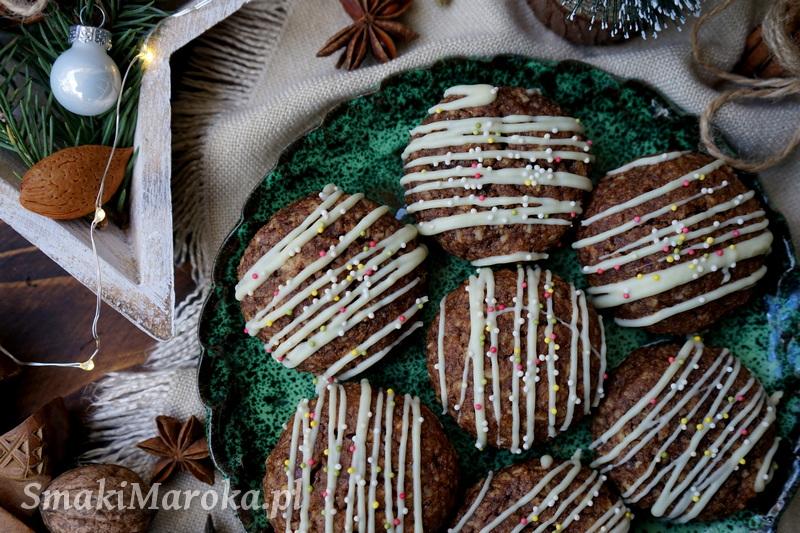 pierniczki szybkie, pierniczki, świąteczne pierniczki, wykorzystanie chałki, proste pierniki,