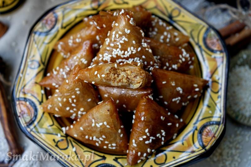 cuisine marocaine, maghreb, arabskie przepisy, kuchnia marokańska, briwats, migdały, smażone ciastka,