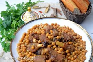 Ker3in- baranie nóżki w sosie z ciecierzycą po marokańsku