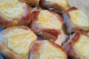 Drożdżówki z serem w wykonaniu Ani