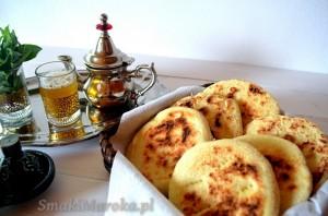 Batbout - marokański chlebek z patelni