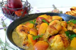Podudzia kurczaka w sosie lawendowym z nektarynkami