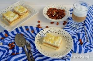 Proste ciasto z kremem i kajmakiem bez pieczenia