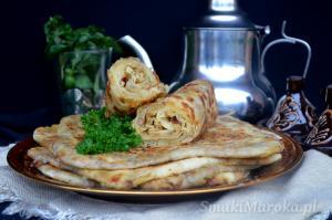 Marokańskie naleśniki msemen z mięsem mielonym