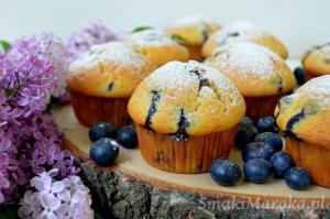 Muffiny z borówkami i cytrynową nutą