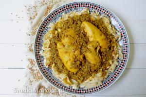 Rfissa z kurczakiem - tradycyjne danie marokańskie