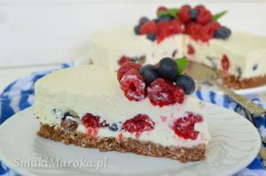 Sernik z białą czekoladą i owocami (bez pieczenia)