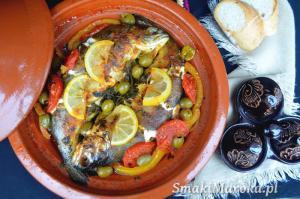 Tagine z rybą i warzywami w marynacie chermoula